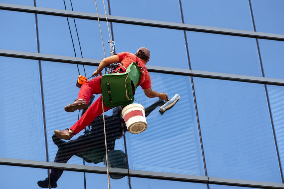 high rise window cleaning cleaner